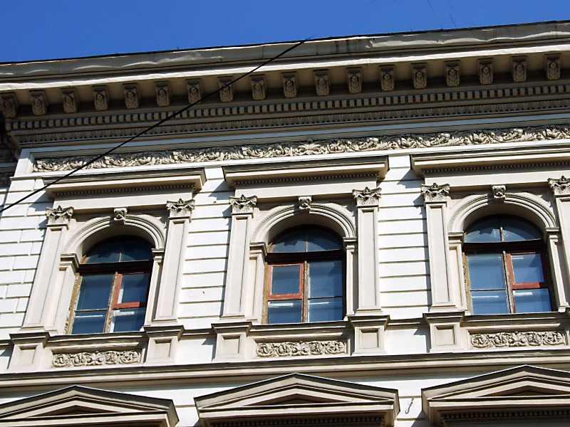 2013 р. Вікна 3-го поверху по просп. Шевченка