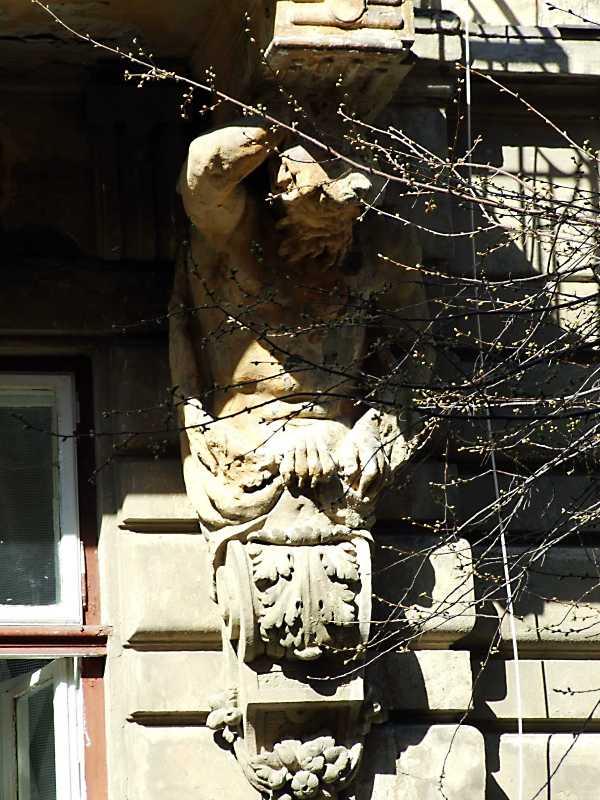 Скульптурна консоль балкона (2)