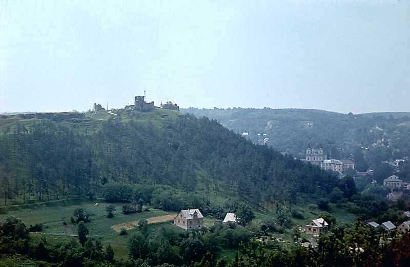 1977 р. Вид на Замкову гору і центр міста зі сходу