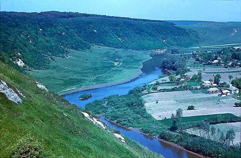 1978 р. Збруч і с.Милівці. Вигляд з південного сходу